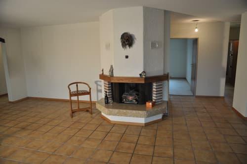 grosse 150 m2, zentral gelegene 5,5 Zi-Wohnung mit extrem grosser Sonnen-Terrasse (196 m2)