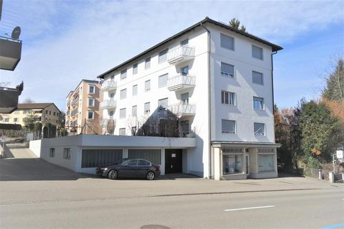 Renoierte, helle 4,5 Zimmerwohnung mit Balkon in Uzwil