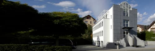 130m2 Bürofläche in repräsentativem Bürogebäude im steuergünstigen Pfäffikon SZ zu vermieten