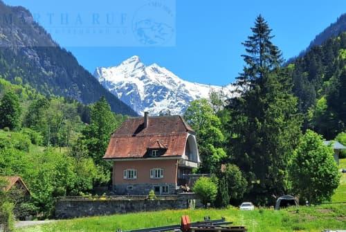 Einfamilienhaus in naturverbundener Lage mit Sicht in die Berge