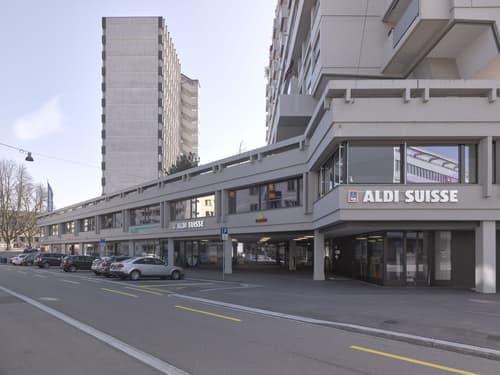 372 m2 Büro- und Gewerbefläche
