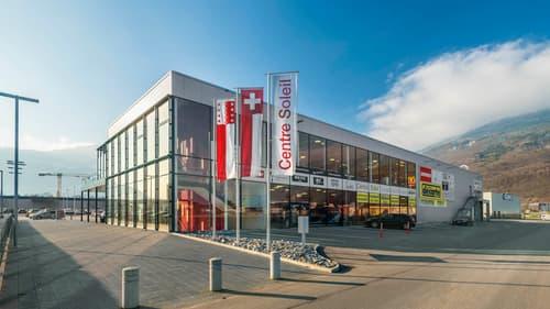 202 m2 - 1330 m2 surface du magasin complètement développé à louer sur une position hautement fréque
