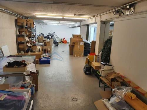 Grosszügiger Lagerraum