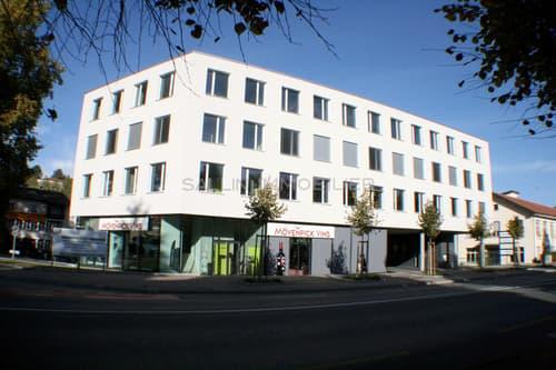 Immeuble moderne et facile d'accès