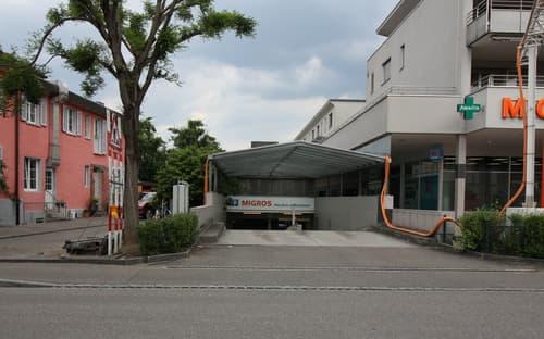 Einfahrt_Autoeinstellhalle.JPG