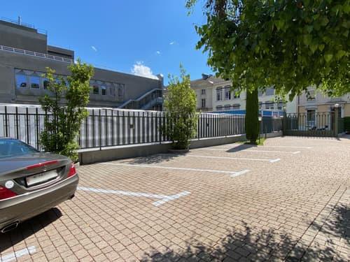 Place de parc - Quai du Rhône 8