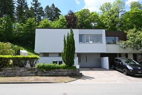 Hübsches Eckhaus mit Garten in idyllischer Umgebung