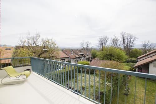 spacieux attique avec grand balcon