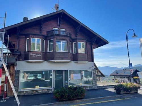 EXCLUSIF, FAIRE OFFRE. Bel immeuble de rendement situation de premier ordre avec surface commerciale disponible au coeur de la commune de Villars-sur-Ollon.