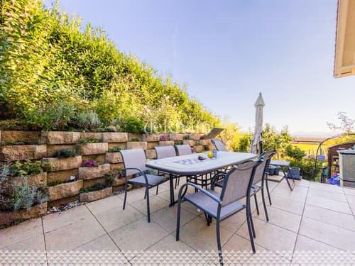 Spacieuse villa d'environ 230 m2 avec beau jardin ! À 10min de Morges