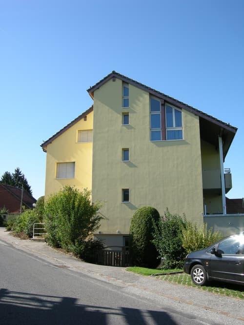 Joli appartement situé dans un quartier calme et verdoyant, proche des commodités.