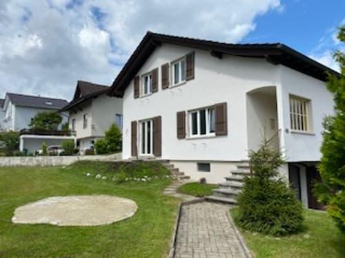 renoviertes Einfamilienhaus mit wunderschöner Umgebung