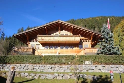 Exklusives Wohn- Ferienchalet mit Doppelgarage & Gartenhaus