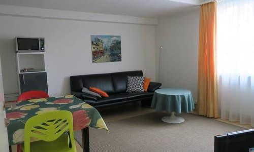 Hübsch möblierte 2-Zimmer Wohnung an eine Person