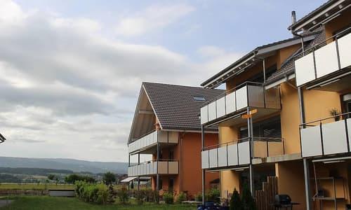 Helle und ruhige 3.5 Zimmerwohnung mit Blick ins Grüne