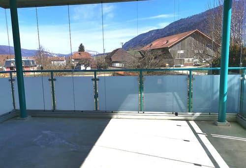 Helle 4.5 Zimmerwohnung mit Balkon (inkl. Garage)