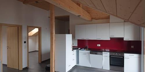 Auf November praktisch neue Dachwohnung zu vermieten.
