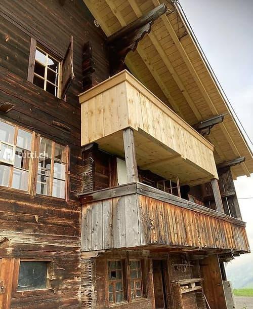 Altes Bauernhaus, Alphütte, Maiensäss