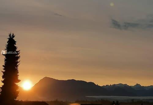 Helle und ruhige 4.5-Zi-Whg mit Aussicht auf die Berge