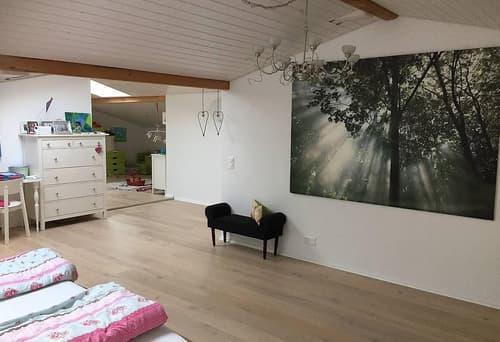 Bei Pferden wohnen: 6.5 -Zimmer-Hausteil zu vermieten