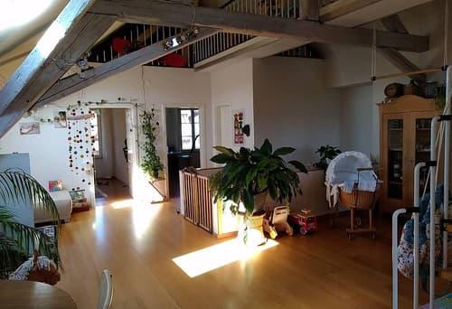Zu vermieten 4.5 Zimmer Dachwohnung mit Galerie in Epsach