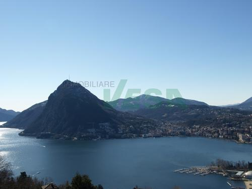 Bel terreno con una spettacolare vista panoramica imprendibile