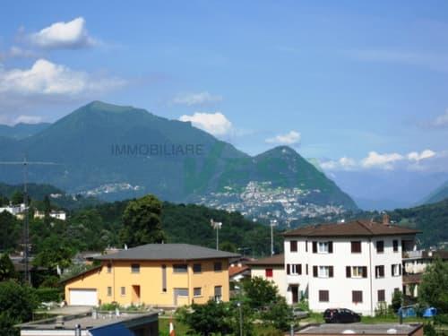 Grande terreno edificabile con ampia vista nel verde e sui monti