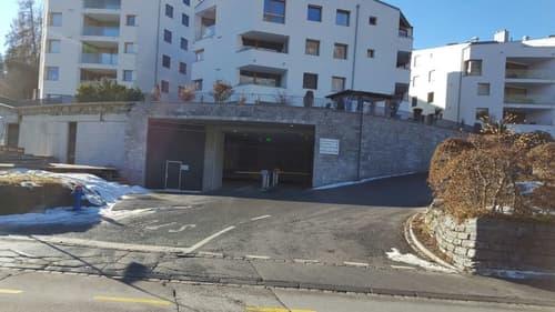 Parkplätze in Einstellhalle Promenada Flims Waldhaus