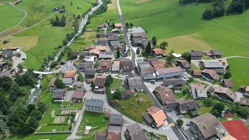 Charmante Bauernhaushälfte Berner Oberland Denkmalschutz