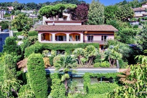 Villa am Stadtrand von Lugano mit Teilblick auf den Luganersee zu verkaufen (1)