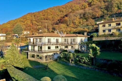 Feine Villa in Brusino Arsizio mit grandiosem Blick auf den Luganersee zu verkaufen