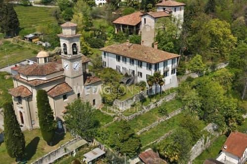 Besonnte Villa mit Seeblick & Garten in Magliaso zu verkaufen
