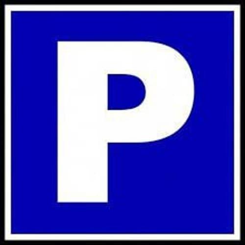 Aussenparkplatz in Frauenfeld, nahe bei der Zuckerfabrik