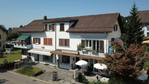 Wohnhaus mit Gastronomie-Betrieb an sehr zentraler Lage in Hinwil!