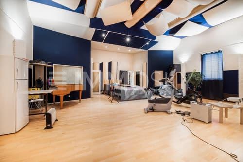 Grande salle avec acoustique
