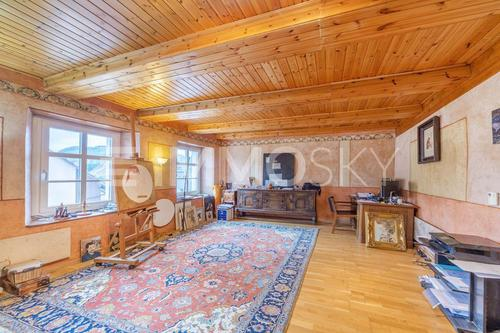 Liebevoll renovierte Räume