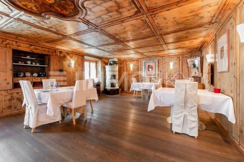 Traditionelle und charmante Gaststube mit Schwedenofen