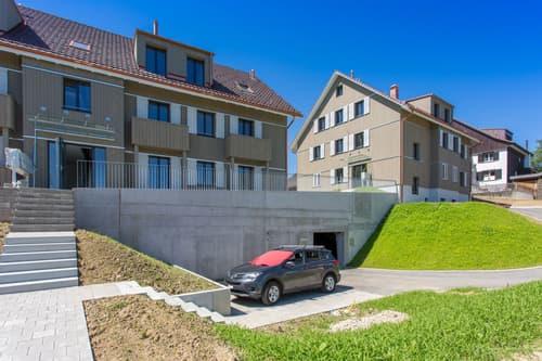 Extra breiter Tiefgaragenplatz in neuer Überbauung mit Eigentumswohnungen