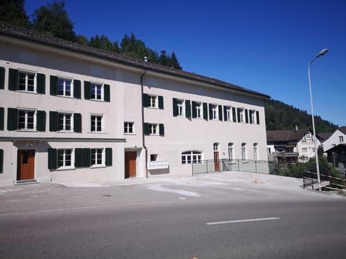 Moderne 3.5-Zimmer-Wohnung mit separatem Eingang