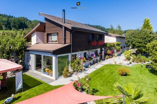 Wohnhaus mit Werstatthalle
