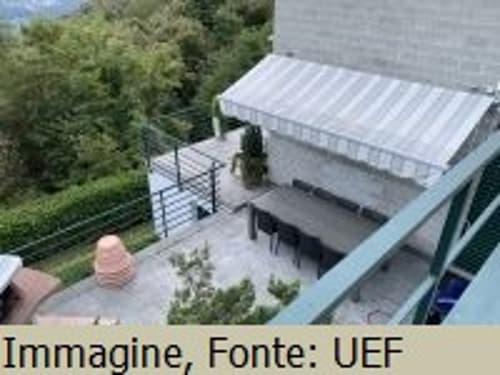 *Casa monofamiliare con vista sul paesaggio*