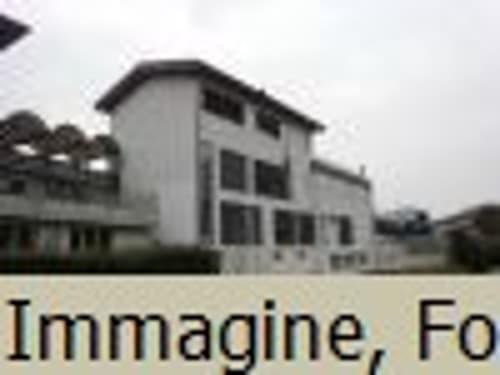 *Casa die 4 appartamenti*