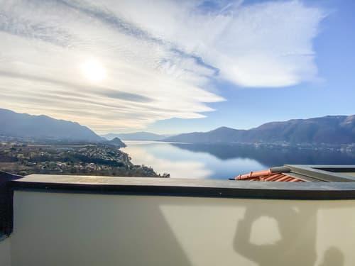 Attika Wohnung mit Seesicht zu verkaufen in Brezzo di Bedero