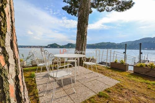 NEU: Fabelhafte Wohnung mit direkter Seezugang, Schwimmbad und Bootsgarage a Lago Maggiore