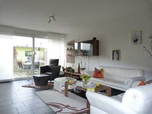 Neuwertiges Terrassenhaus an attraktiver Lage