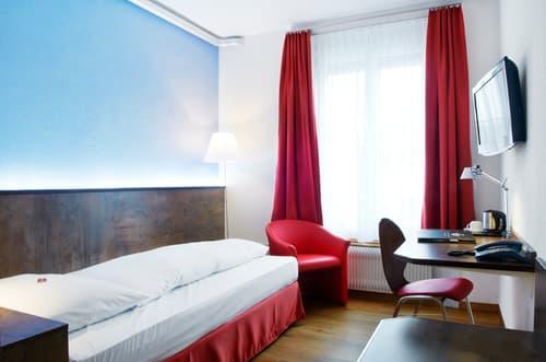 Büro oder Gewerbefläche in Bern, Länggasse - House of tiny businesses