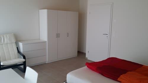 «Div. möbl. Räume ab CHF 600.00 inkl. Bettwäsche»