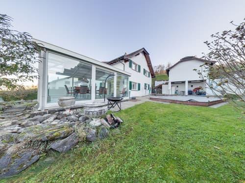 Unverbaute Seesicht: Grosse Villa mit viel Umschwung