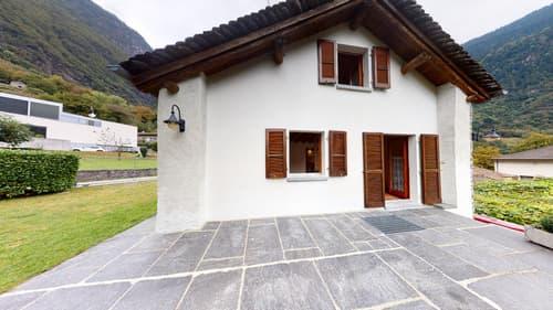 Schönes Tessinerhaus in traditioneller Architektur zentral gelegen in Lostallo