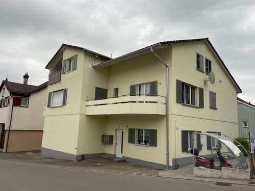 Schöne, renovierte und günstige 4.0 Zimmer Wohnung in kleinem Mehrfamilienhaus, 2 Balkone (nähe Flawil)
